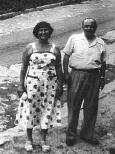 This is a picture of Aunt Grace & Uncle Frank in Belmont Hills